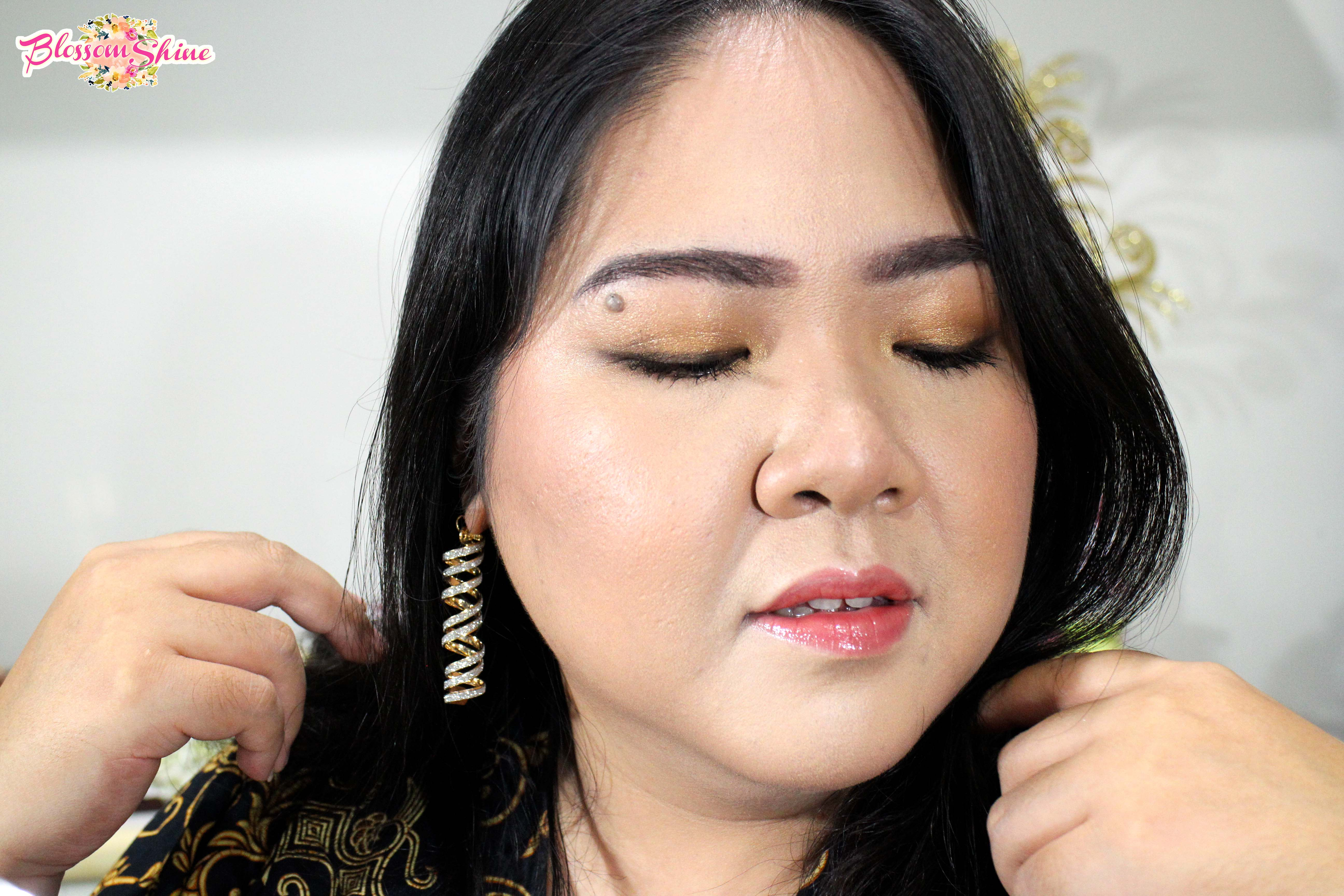 Golden Hours Look – New Years Makeup Tutorial