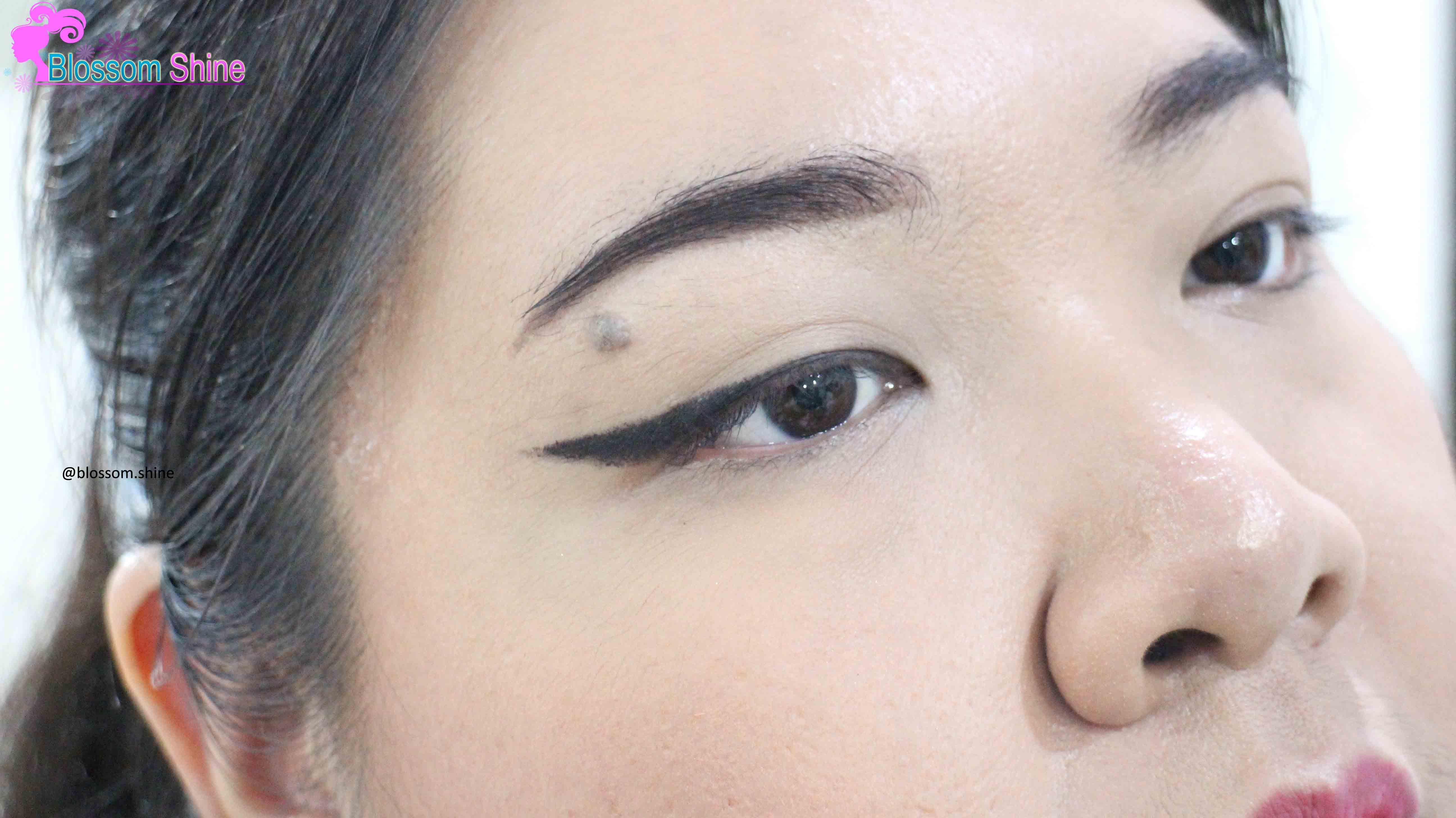 5 Cara Menggunakan Automatic Eyeliner [Beauty Tutorial]